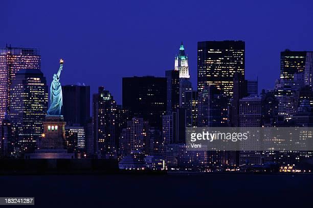 Freiheitsstatue gegen die skyline von New York, USA