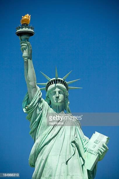 statue of liberty in new york - statue of liberty stock pictures, royalty-free photos & images