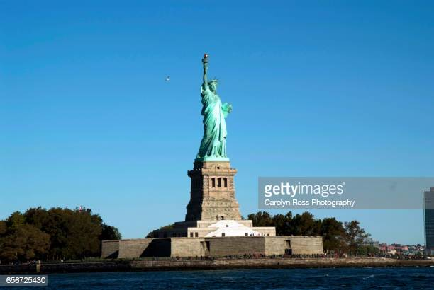 statue of liberty - carolyn ross stock pictures, royalty-free photos & images