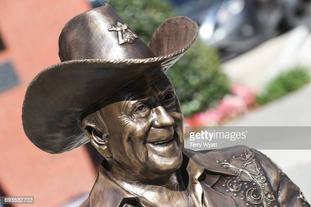 Statue of Little Jimmy Dickens at the unveiling of statues of Little Jimmy Dickens and Bill Monroe at Ryman Auditorium on June 7, 2017 in Nashville,...