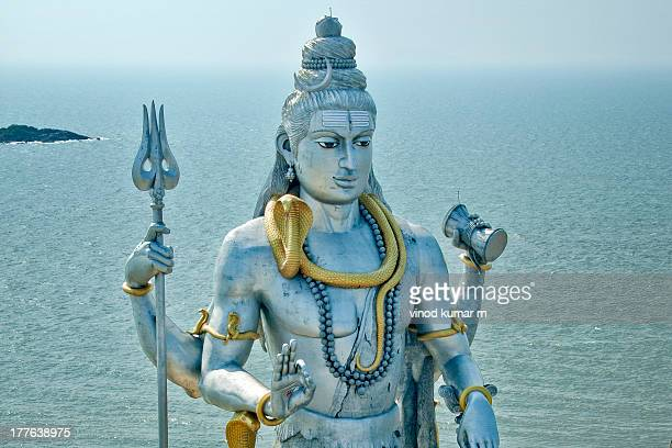 statue of lord shiva - dieu hindou photos et images de collection