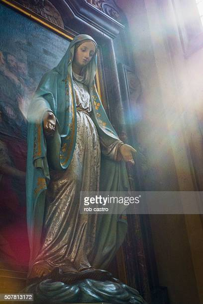 statue of madonna - rob castro stock pictures, royalty-free photos & images