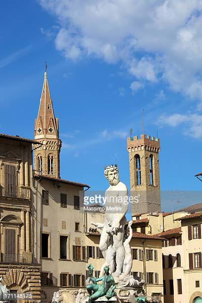 ネプチューン n フィレンツェの像 - シニョーリア広場 ストックフォトと画像