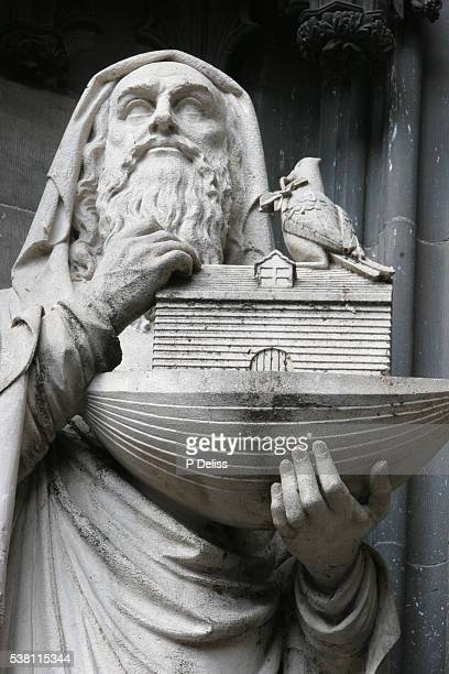 statue of noah at cologne cathedral - ark stock pictures, royalty-free photos & images