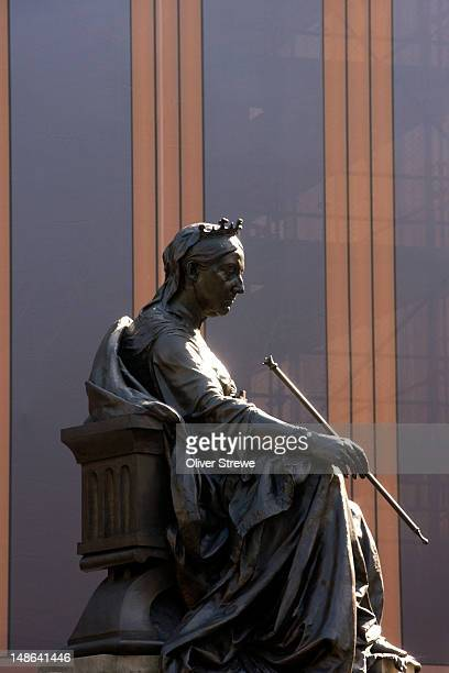 statue of queen victoria, outside the queen victoria building. - queen victoria stock pictures, royalty-free photos & images