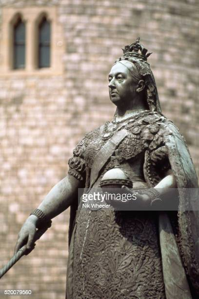 statue of queen victoria - queen victoria stock pictures, royalty-free photos & images