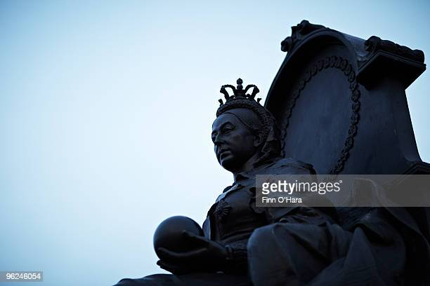 a statue of queen victoria. - queen victoria stock pictures, royalty-free photos & images