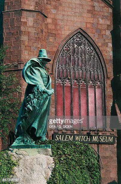 Statue of Roger Conant founder of Salem in front of the Salem Witch Museum in front of the Salem Witch Museum Salem Massachusetts United States of...