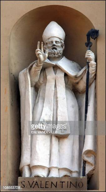A statue of Saint Valentine on the facade of the basilica in Terni Italy on January 20th 2004 Every year on Feb 14 hundreds of lovers swear for love...