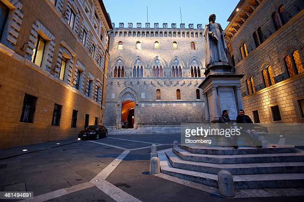 A statue of Sallustio Bandini stands in Piazza Salimbeni near the headquarters of Banca Monte dei Paschi di Siena SpA in Siena Italy on Wednesday Jan...