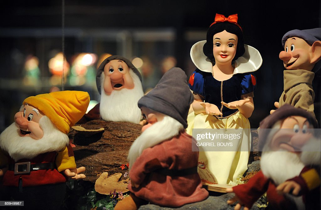 A statue of Snow White and the Seven Dwa : News Photo