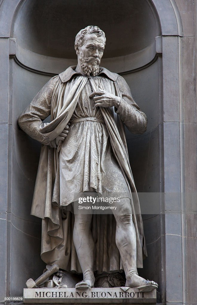 Statue of the artist Michelangelo Buonarroti : News Photo