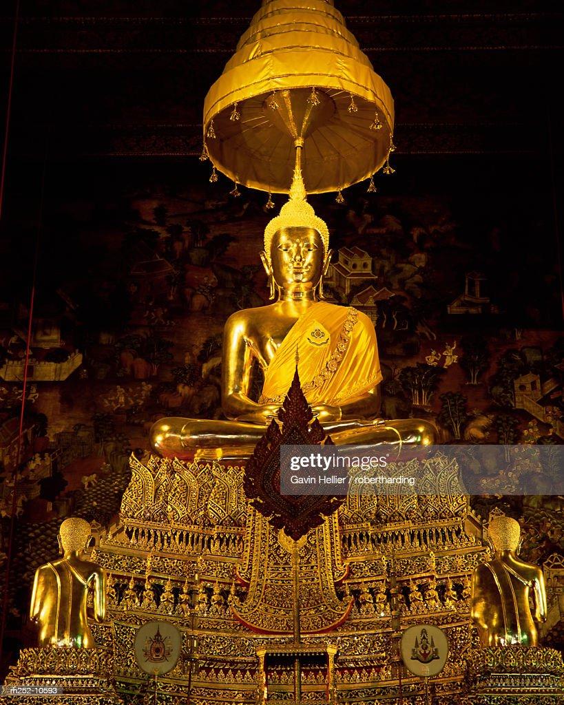Statue of the Buddha, Wat Pho (Wat Po) (Wat Phra Chetuphon), Bangkok, Thailand, Southeast Asia, Asia : Foto de stock