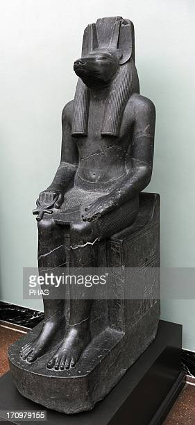 Statue of the jackalheaded god Anubis Diorite Reign of Amenophis III 14031365 BC 18th Dynasty New Kingdom From the Temple of Luxor Ny Carlsberg...