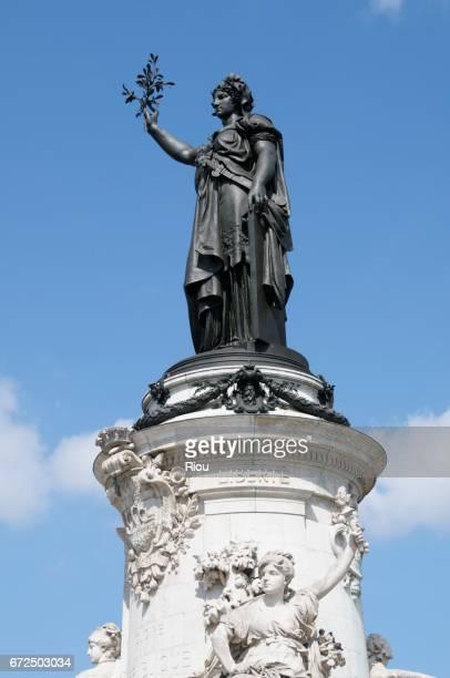 statue of the place de la république, city of paris, france - place de la republique paris stock pictures, royalty-free photos & images