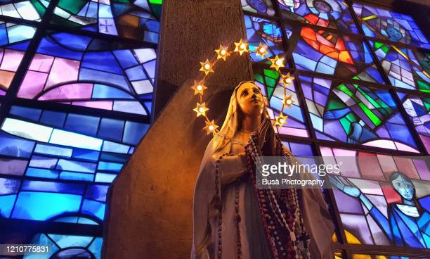 statue of the virgin mary inside chapel of the cto hospital in florence, italy - blessed mother mary stock pictures, royalty-free photos & images