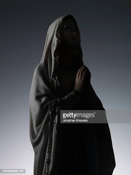 statue of the virgin mary, upper half - mary moody fotografías e imágenes de stock