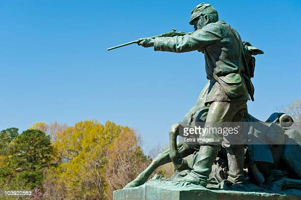 statue of union soldier at vicksburg national military park - vicksburg_national_military_park stock pictures, royalty-free photos & images