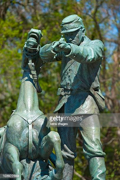 statue of union solider and horse in military park - vicksburg_national_military_park stock pictures, royalty-free photos & images