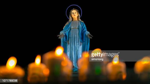statue of virgin mary - catholicism stock pictures, royalty-free photos & images
