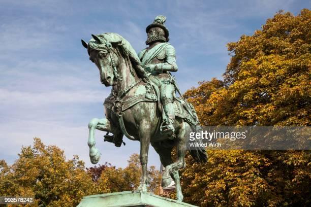 statue of william of orange, the hague, holland, the netherlands - den haag stockfoto's en -beelden