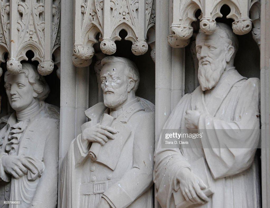 Robert E. Lee Statue Defaced At Duke University Chapel : News Photo