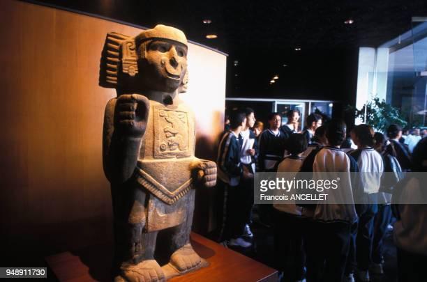 Statue précolombienne au musée d'anthropologie de Mexico au Mexique en 1998