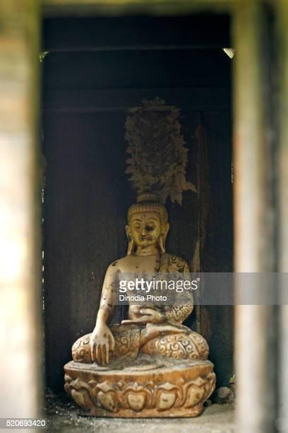 statue, unesco world heritage gautam buddha's birthplace, site monastery built suddhodana father lord buddha, lumbini, nepal - 名作 発祥の地 ストックフォトと画像