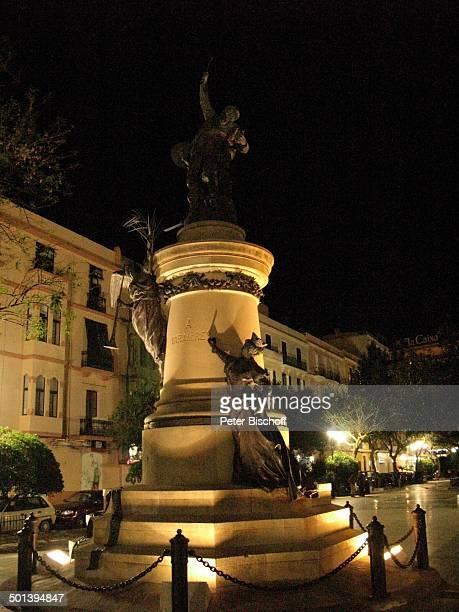"""Statue von """"A Vara Del Rey"""" , Ibiza-Stadt, Insel Ibiza, Balearen, Spanien, Europa, Nacht, Reise, AS, DIG; P.-Nr.: 663/2010, ; Foto: P.Bischoff;..."""