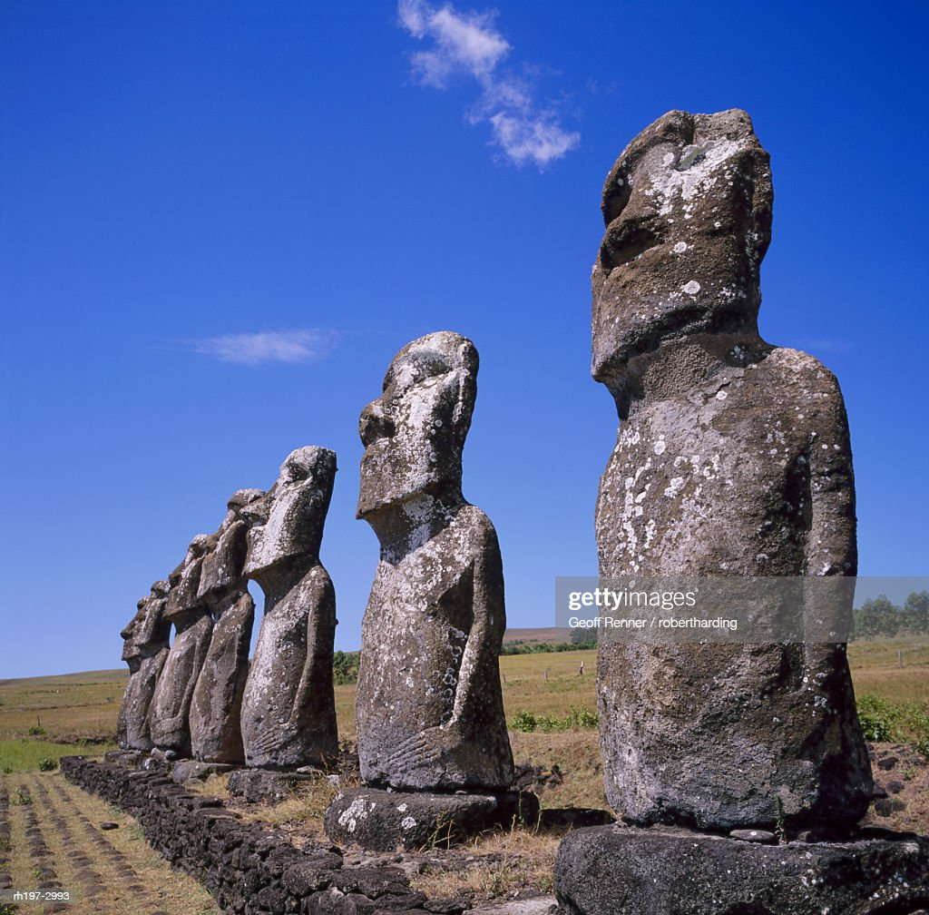 Statues at Ahu Akivi on Easter Island, Chile, Pacific : Foto de stock