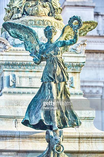 statues at the victor emmanuel monument - carving craft product stock pictures, royalty-free photos & images