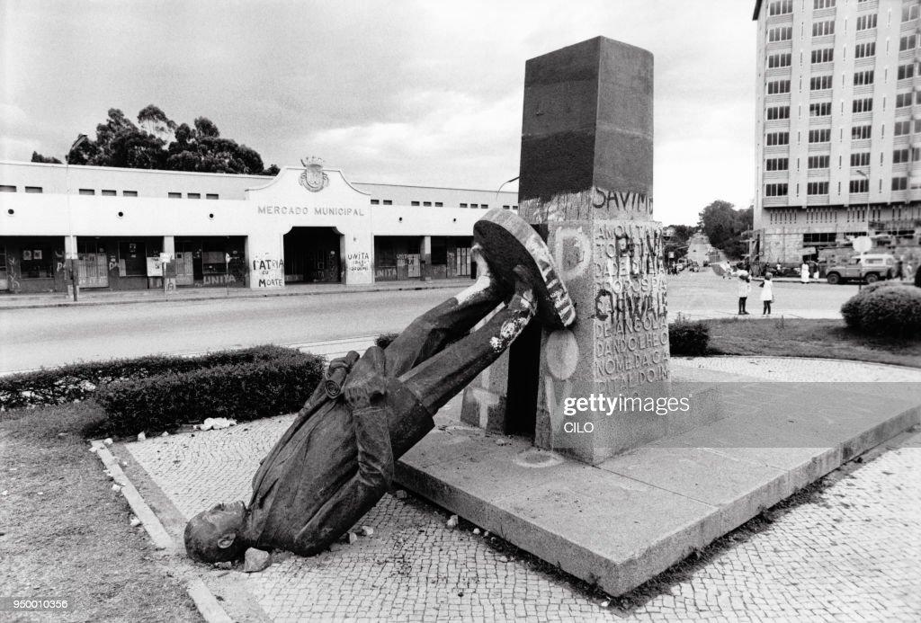 Statues de portugais célèbres déboulonnées : News Photo