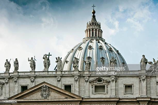 statues of st peters square in rome - vatican stock pictures, royalty-free photos & images