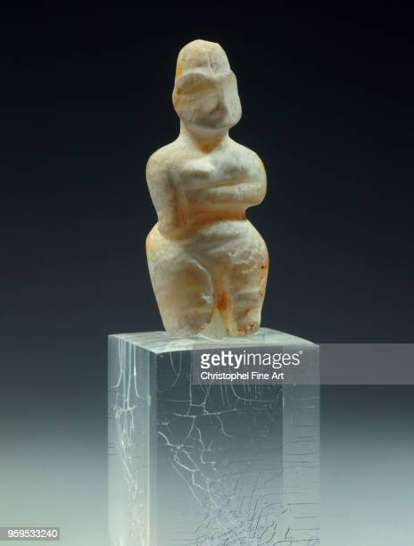 Statuette female alabaster necropolis of tell es sawwan central mesopotamia Oriental Art Louvre Museum Middle East Mesopotamia