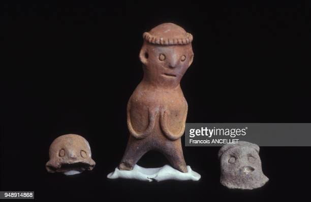 Statuettes précolombiennes dans le musée Casa del Alabado à Quito en 1991 Equateur