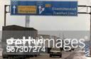 Stau auf der Autobahn BerlinFrankfurt/O an der Grenze zu Polen aufgrund der veränderten Zollbestimmungen nach der Vereinigung von BRD und DDR...