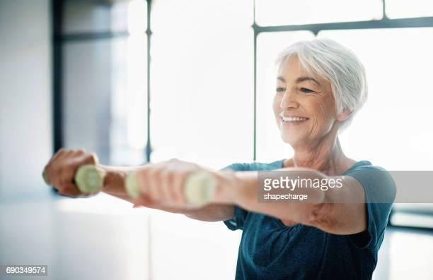 Fit bleiben ist eine Möglichkeit, Alter mit Anmut