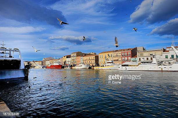 sète, the royal canal - languedoc rousillon stock pictures, royalty-free photos & images