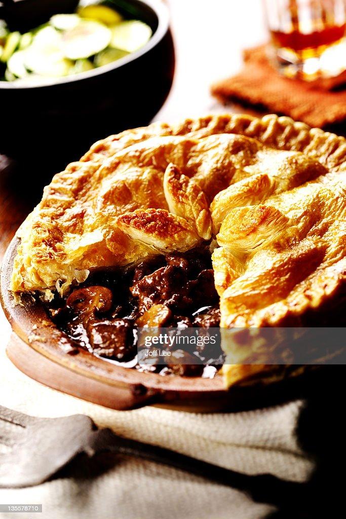 Steak & guinness pie : Stock Photo