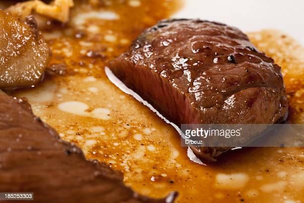 ステーキ - グレービー ストックフォトと画像