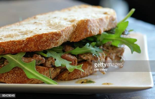 Steak sandwich with rocket (arugula)