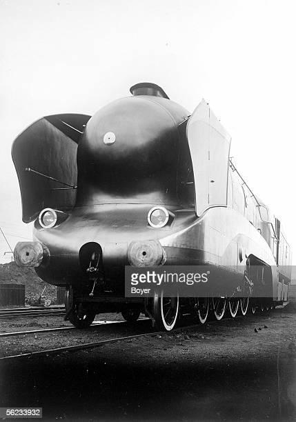 Steam locomotive 'POMidi' type 231 with aerodynamic strealining 1937
