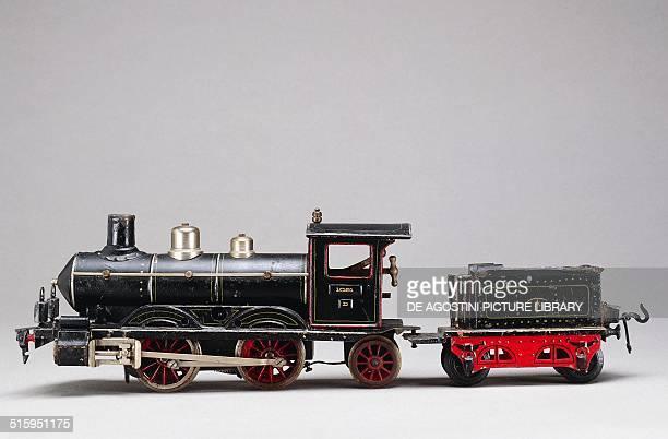 Steam locomotive springwound tin toy made by Marklin 1906 Germany 20th century Milan Museo Del Giocattolo E Del Bambino