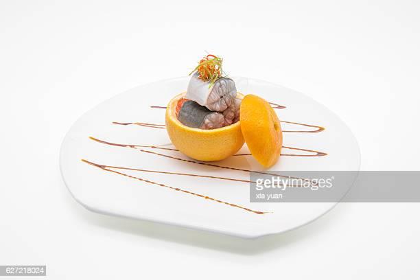 Steamed eel in grapefruit