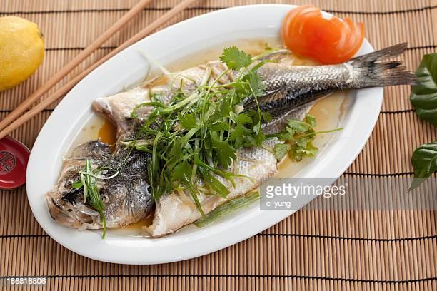蒸した魚 - 蒸し ストックフォトと画像