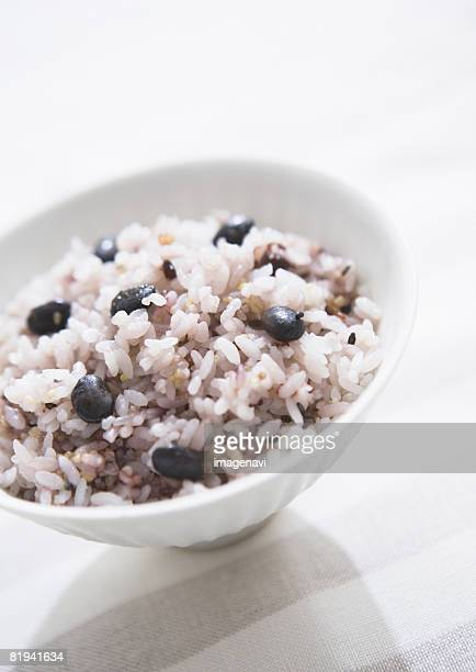 steamed multigrain rice - black rice stock pictures, royalty-free photos & images