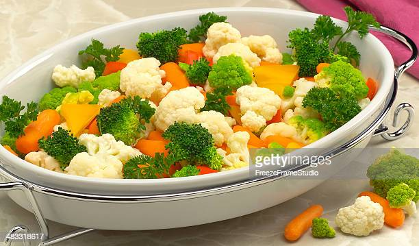 蒸し野菜 cassarole - 蒸し ストックフォトと画像