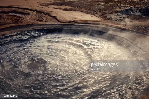 噴気孔を蒸し。hverarond 地熱地域 - 蒸し ストックフォトと画像