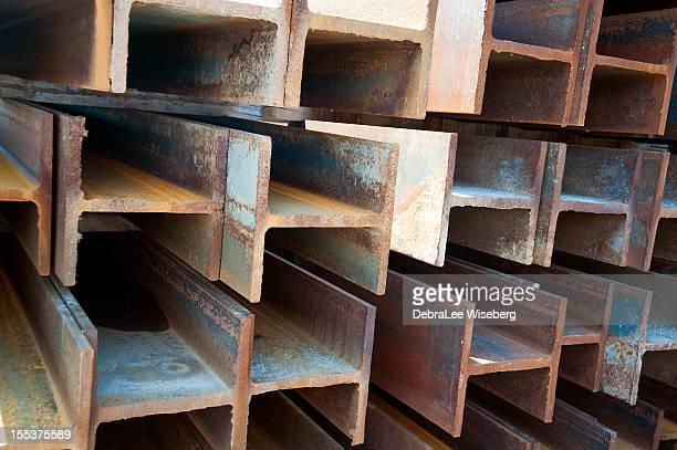Vigas de aço em série