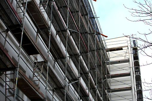 Steel frame framework is the most common way to freely work outside the building to repair façade insulation or renovation. 952923330